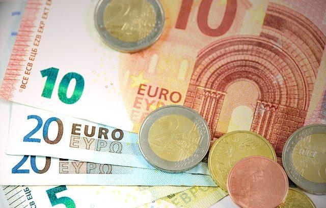 Carovita in Italia, prezzi al consumo in volata con il rally dei beni energetici