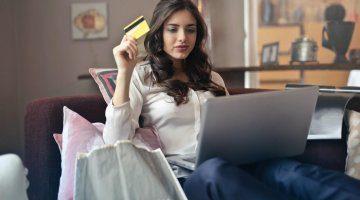 donna investe in azioni online