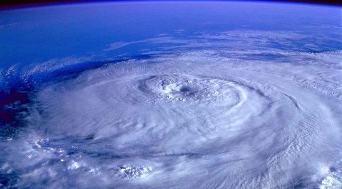 Prezzi del petrolio in tensione, la tempesta Zeta è diventata uragano