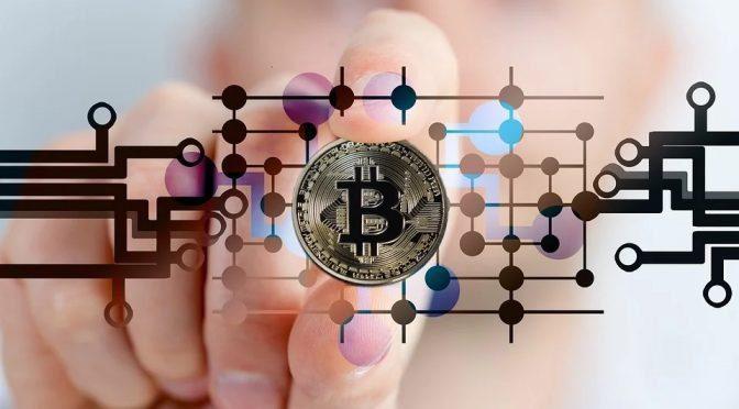 Bitcoin rally di fine anno con mezzo trilione di capitalizzazione