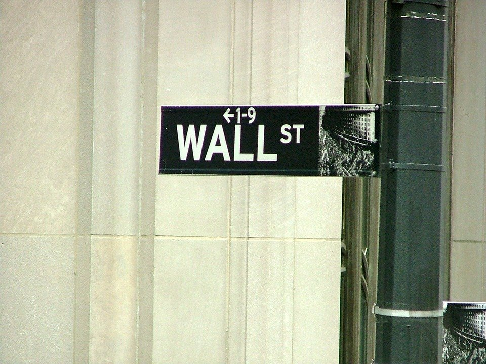 Indice Dow Jones Industrial Average al record storico, sfonda i 30.000 punti