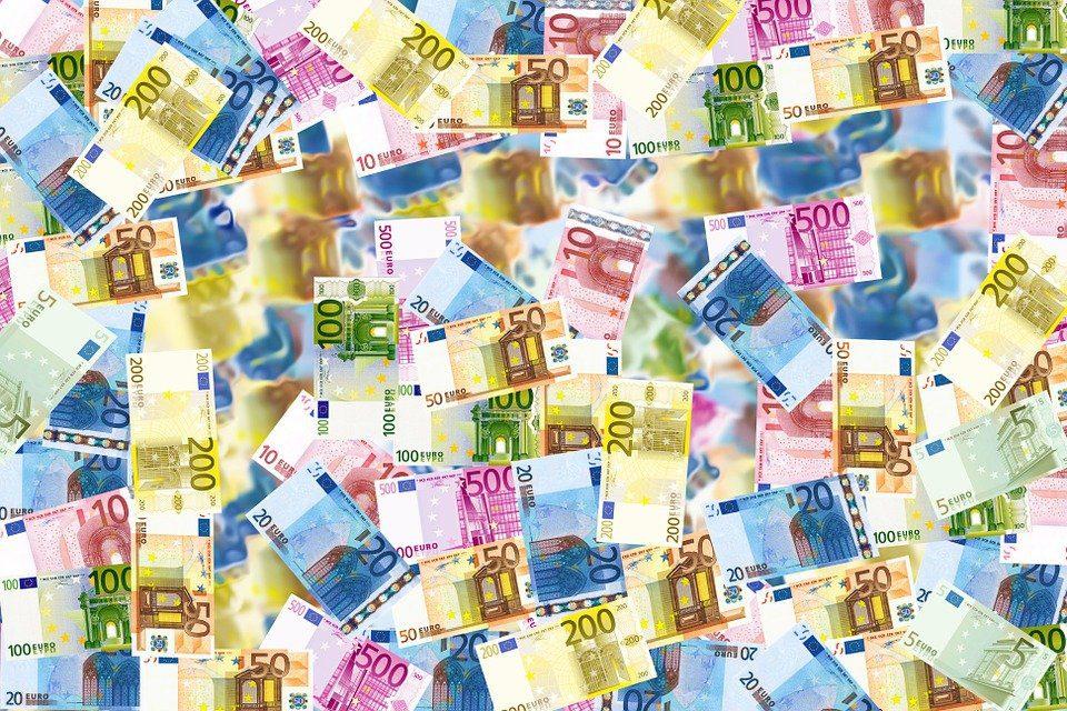 Prestiti personali e finalizzati in Italia, crescita boom per il credito alle famiglie