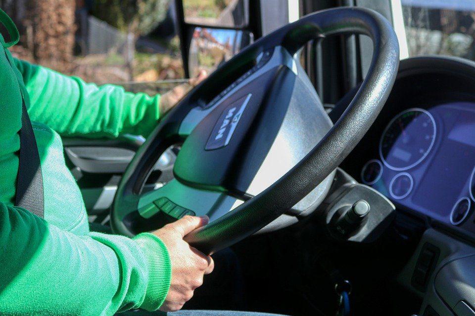 Incentivi statali veicoli commerciali riportano il mercato in positivo