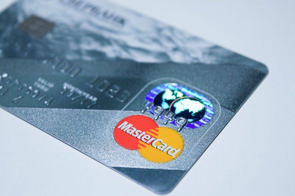 Bonifico Cashback 30 giugno 2021 su conto corrente, ecco il rimborso per chi fa shopping